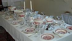 Tafel met Maastrichts servies